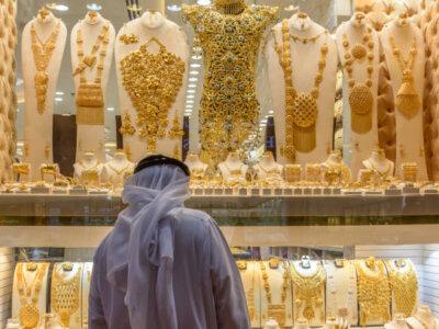 Tourists hould visit souks in Dubai